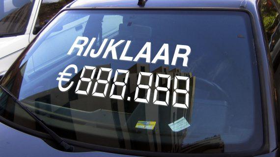 Verkoop je auto sneller met een autoverkoopsticker